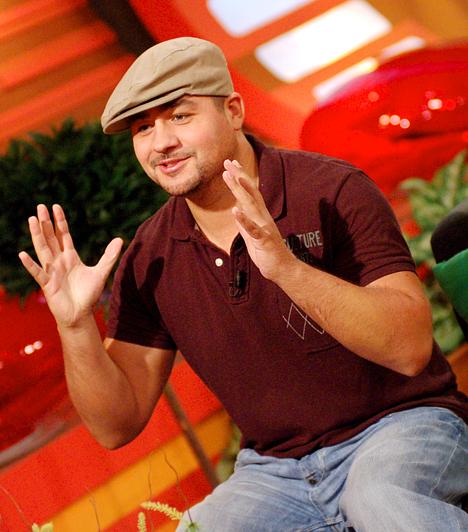 Molnár Ferenc Caramel  A Megasztár második szériájának győzteseként ismerte meg az egész ország a nevét. Öt albuma jelent meg, 2012-ben a The Voice tehetségkutatójának egyik zsűritagja volt.