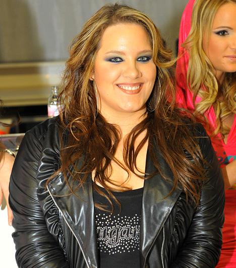 Tóth Veronika  2003-ban jelentkezett a Megasztárba, ahol Cserháti Zsuzsa Hamu és gyémánt című dalának eléneklésével bejutott a legjobb 12 versenyző közé, majd végül ő nyerte meg a TV2 tehetségkutató versenyének első szériáját. Azóta négy önálló lemeze jelent meg.