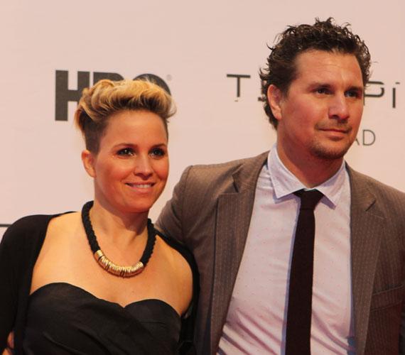 Az első évadban üzletembert megformáló Nagy Ervin is megjelent a díszbemutatón, a színész párjával, Rozival érkezett.