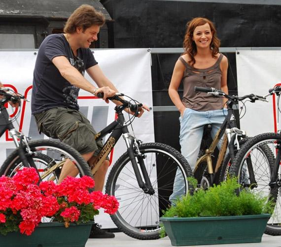 Tilla mindennap biciklizik, és mint kiderült, Réka gyerekei is imádnak bringázni.