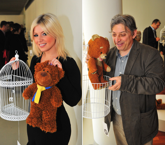 Tolvai Renáta énekesnő és Badár Sándor humorista is egy barna mackótól vált meg, utóbbié egy sok mindent megélt darab volt.