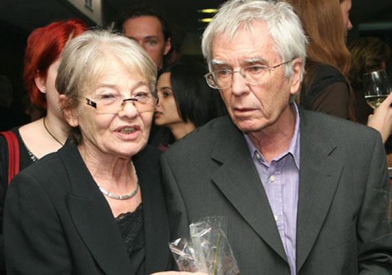 Járai Máté Törőcsik Mari megboldogult férjének, Maár Gyulának az unokája. A színész nagypapája 79 évesen, 2013-ban hunyt el.