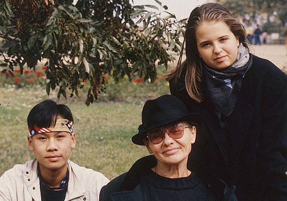 Törőcsik Mari és Maár Gyula a '70-es években egy vietnami kisfiút fogadtak örökbe lányuk, Teréz mellé. Járai Máté sok időt töltött velük is, gyakran együtt jártak kirándulni.