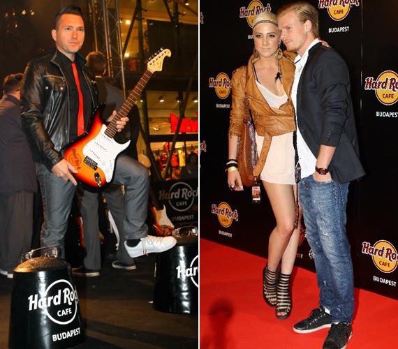 Tóth Gabi falatnyi ruhában jelent meg a megnyitón kedvesével, a focista Rasztovics Dáviddal. Ákos a gitárjával érkezett, de végül attól is megvált.
