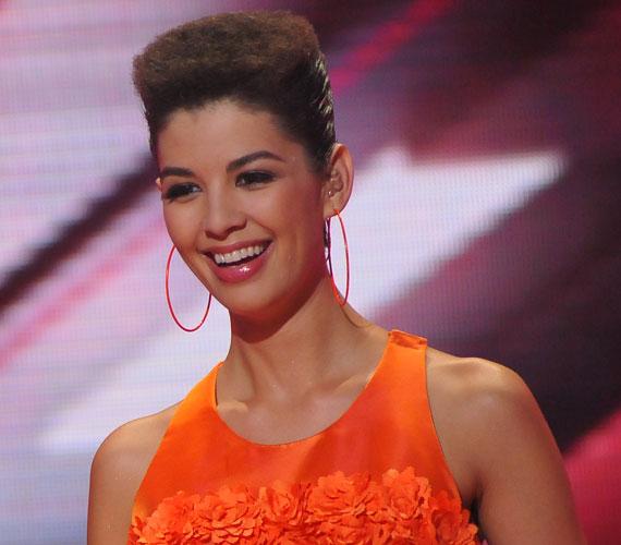 A 2011-es X-Faktorban ezzel az afro frizurával is nagy feltűnést keltett.
