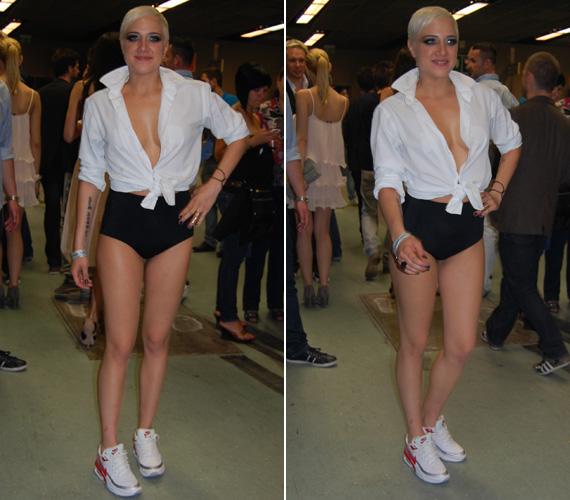 Miután idén júniusban kitüntették a legjobb női előadó Comet-gömbjével, ebben a merész, sportos öltözetben adott interjúkat.