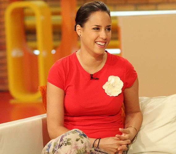 A veszprémi Petőfi Színház színésznője úgy tervezi, itt rendezik be a közös családi fészket, a gyermekáldással azonban még várnak pár évet.