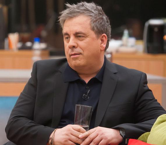 Áprilisban visszatér a képernyőre a televíziós legenda, Friderikusz Sándor is. Az interjúkészítés nagymestere ismét izgalmas vendégekkel bútorozik össze az Összezárva Friderikusszal harmadik évadában.
