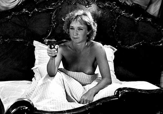 A hitelesség kedvéért még ruhájától is megvált: az 1983-as Te rongyos élet főszereplőjeként nyújtott alakítását egyik legjobb filmes munkája közé sorolja a kritika.