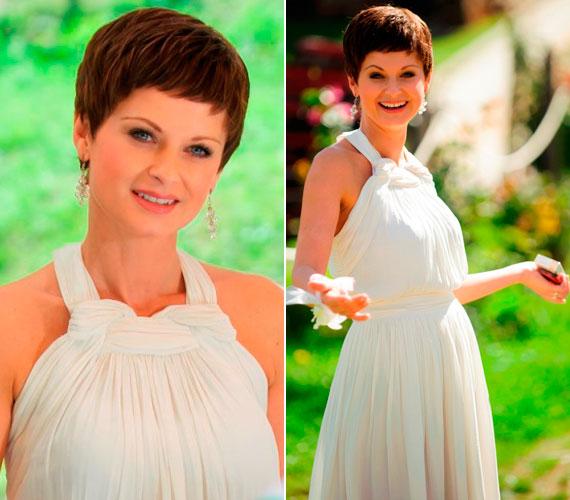 Bizonyára a gyönyörű ruha is segített a színésznőnek abban, hogy beleélje magát a szerepébe, emellett saját bevallása szerint az egykori saját menyegzőjét próbálta magában felidézni.