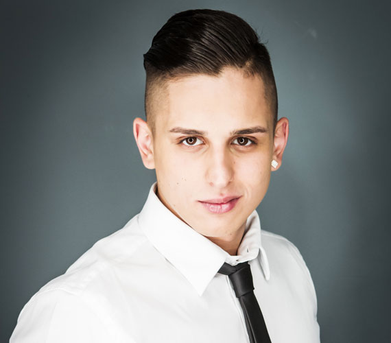 A 22 éves Aurelio.