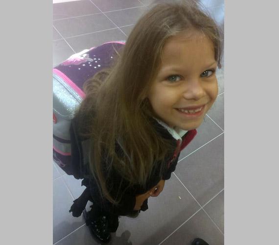 Pintácsi Viki legkisebb gyermeke, Zolna is első osztályos lett.