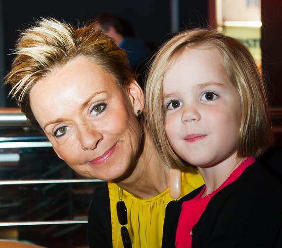 Jakupcsek Gabriella harmadik gyermeke, Emma Róza már igazi nagylány, hiszen november végén volt a negyedik születésnapja.
