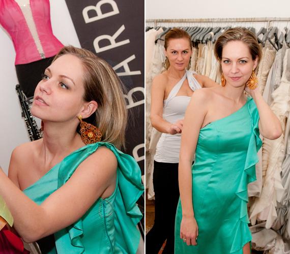 Ez a Léber Barbara által tervezett, rafinált szabású, zöld ruha remekül áll a karcsú színésznőnek.