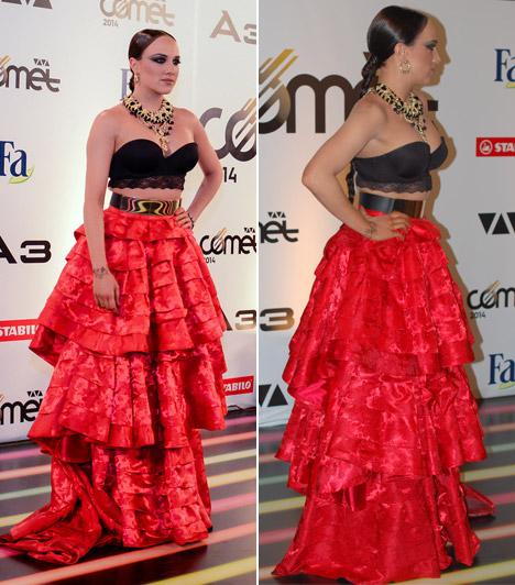 Tóth Gabi  A 2012-es Comet-győztes énekesnőt leginkább egy spanyol flamenco táncos ihlethette meg, amikor ruháját választotta.