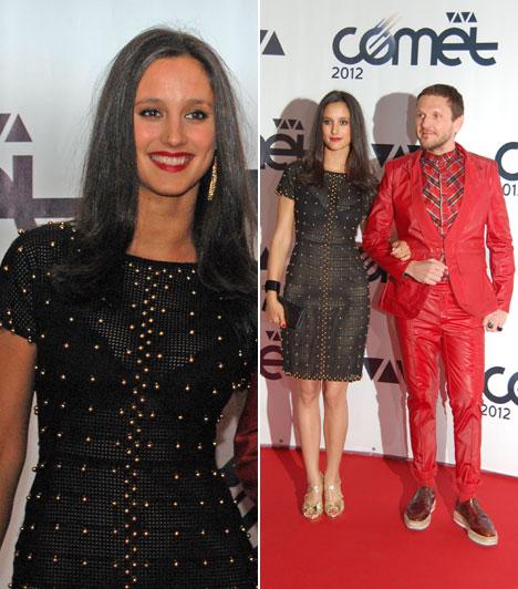 Trokán Nóra  Trokán Nóra Lakatos Márk stylist oldalán lépett a vörös szőnyegre. A fiatal színésznő egy decensen áttetsző, aranygyöngyökkel kirakott, testhezálló ruhát viselt.