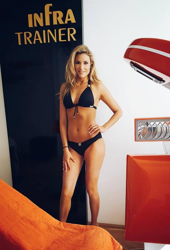 Som-Balogh Edina, a Barátok közt Kingája elképesztő formában van. A 31 éves színésznő nagyon készül a bikiniszezonra, kitartóan edz, aminek eredményét meg is mutatta.