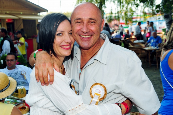 Pataky Attila és 23 évvel fiatalabb felesége, Nyikovics Orsolya egy Edda-koncert után ismerkedtek meg 2009 nyarán, és 2011 karácsonyán jegyezték el egymást. A rocker 2014-ben harmadszorra nősült meg, Budapesttől 60 kilométerre, egy eldugott hotelban tartották meg a kézfogót.