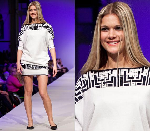 2013 márciusában az Elle Fashion Show-n Zoób Kati egyik kreációját mutatta be. A világhírű magyar divattervezővel együtt is dolgoznak: a tervező által megálmodott ruhákat megváltozott munkaképességű dolgozók készítik el Szegeden.
