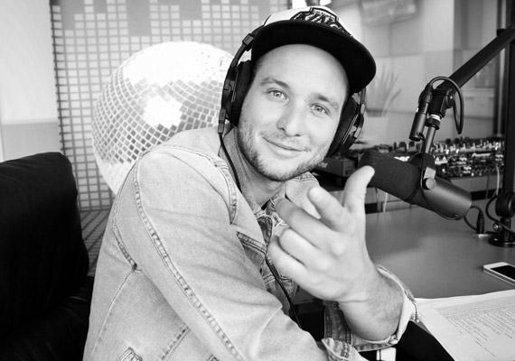 Istenes Bence elköszön a Music FM 89.5 reggeli műsorának stábjától és hallgatóságától, október 1-jétől az egyre sokasodó televíziós munkáira fókuszál.