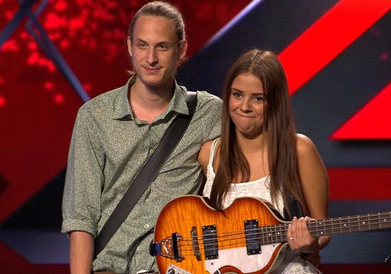 Fügeczki Roland és Tóth Kamilla párosa, a Rosewood a 2014-es X-Faktor első adásában Tóth Gabit is megríkatta, aki többször is azt mondta: ő is szerelmes akar lenni.