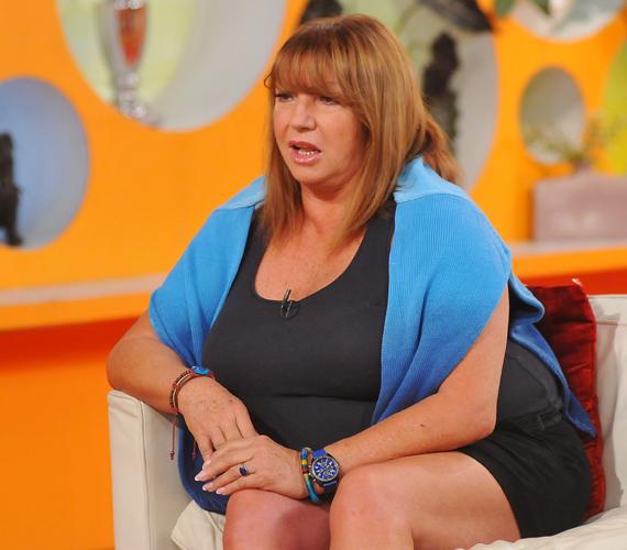 Az énekesnő még nem tudja, mikor kerül sor a műtétre, előtte ugyanis minimum hat-nyolc kilót fogynia kell - a következő egy hónapban.