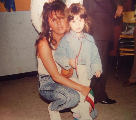 1988-ban New Yorkban, az akkor kisgyerek, ma szintén káprázatos szépségű énekesnővel, Király Lindával.