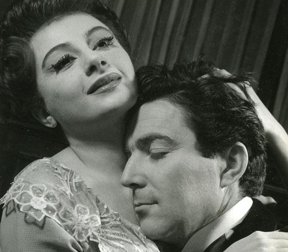 Váradi Hédi és Zenthe Ferenc 1955. november 20-án Barta Lajos Szerelem című előadásában játszott együtt a Madách Kamaraszínházban.