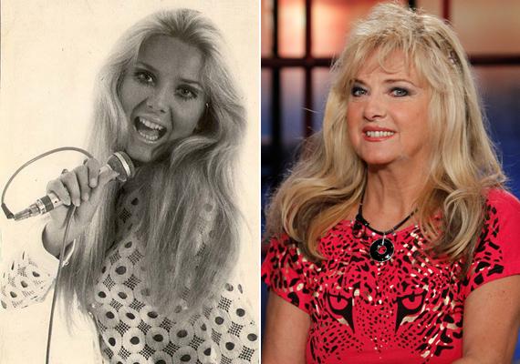 A 64 éves Karda Bea gyönyörű tinilány volt, nem csoda, hogy már akkor sok fiú udvarolt neki. A szőke énekesnő a mai napig hasonlít régi önmagára.