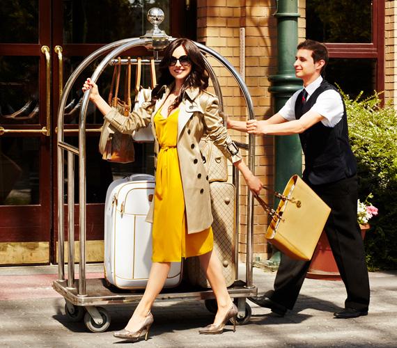 Citromsárga ruhájában Zséda feltűnő jelenség volt a Zséda 2013 - Utazz velem! kiadványhoz készült képek elkészítésekor.
