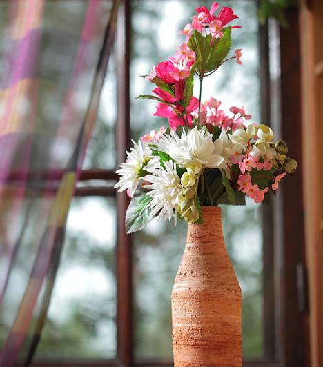 Vadvirágos egyszerűség  A mezőn szedett, csokorba font vadvirágok a nagyszülőknél töltött régi időket idézik. Az ilyen csokor kifejezetten illik az otthonodba, ha fontosnak tartod a húsvéti hagyományok felelevenítését.