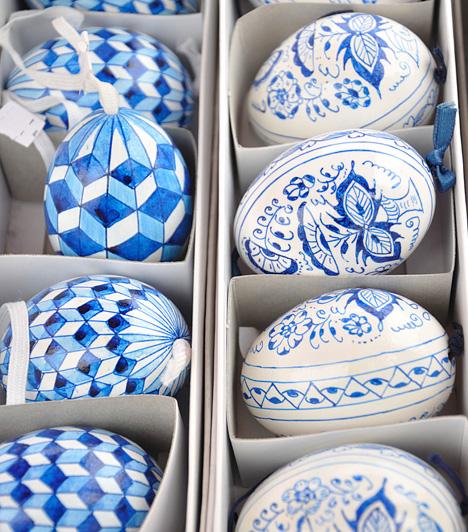 Aprólékos kivitelezés                         Igazi különlegességnek számít az apró mintákkal díszített tojás. Nem kevés türelem és idő kell az elkészítésükhöz, de megéri a fáradtságot, hiszen a végeredmény csodálatos.