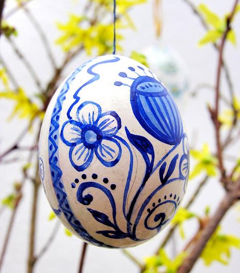 Vidéki stílus  A népművészeti sítlusra hajazó tojások sosem mennek ki a divatból. Örök darabok, amelyeket ha egyszer elkészítesz, utána évekig fel tudsz használni a dekorációhoz.
