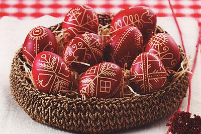 Egyszínű, írott tojás