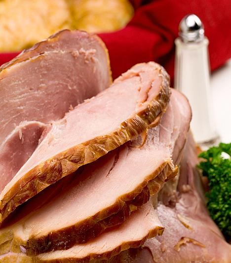 SonkaA húsvét tradicionális étele a bárány, a sonka csak később kapcsolódott be a húsvéti hagyományok körébe. Eredetileg a gazdagságot jelképezte: úgy tartották, hogy aki sonkát eszik húsvétkor, annak bőségben lesz része az év további részében.
