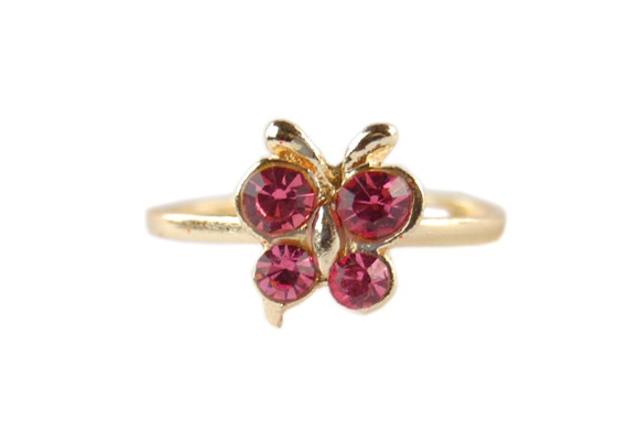Még egy szépséges pillangós gyűrű, ezúttal magában. Tökéletes kiegészítő, melynek az ára is kedvező, 490 forint. Itt tudod megrendelni.