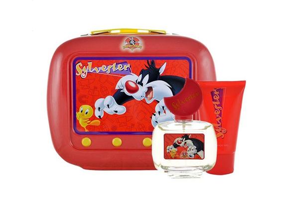 Csőrike és Szilveszter kalandjai kozmetikai szettben? Egyszerre aranyos és kedves, valószínűleg minden kislány örülne egy ilyennek. A parfümszett ára 4090 forint, de mielőtt megrendelnéd, érdemes a többi Looney Tunes szettet is megkukkantani.