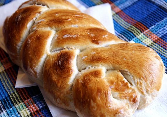A fonott kalács mennyei reggeli húsvét hétfőjén! Receptjét itt találod.