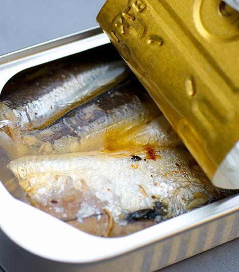 HalSvédországban a sózott heringet előszeretettel fogyasztják húsvétkor, de a hal Franciaországban is kedvelt ilyenkor. Hazánkban nagypénteken ettek halat a régiek.