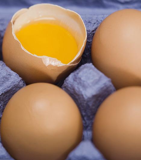 Tojás  A tojás a húsvét elengedhetetlen étele, hiszen az újjászületést, Jézus feltámadását szimbolizálja. Fogyaszthatod főtten, de tojássaláta formájában is húsvétkor.  Kapcsolódó cikk:  Így készül a tökéletes főtt tojás »