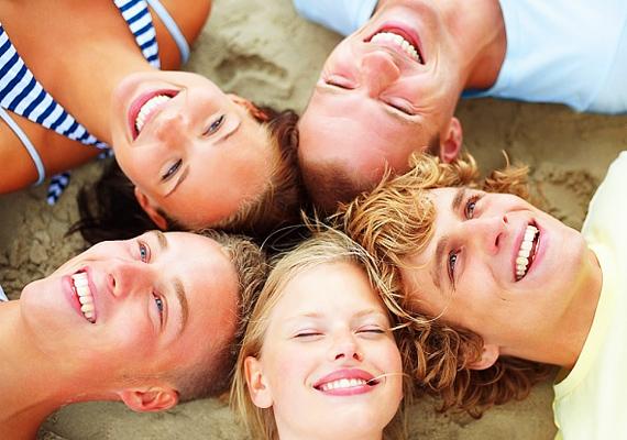 Jó, hogy vannak igaz barátaid, akikkel szívesen töltöd el a szabadidődet, azonban ezek a képek nem társkeresőkre valók.