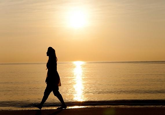 A sziluetted is bizonyára nagyon mutatós, ám senki nem kíváncsi arra, hogyan andalogsz a naplementében, hacsak nem azzal a férfival teszed, aki szemet vetett rád.