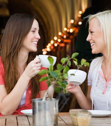 Barátok  Jusson időtök a barátaitokra is, és ne szigeteljen el tőlük a kapcsolatotok. Akár együtt, akár külön-külön, tervezzetek programot a barátaitokkal, hiszen ők is az életed részét képezik és olyasmit adhatnak, amit a párod nem.  Kapcsolódó cikk: 4 dolog, ami nélkül nem lesz boldog a kapcsolatod »