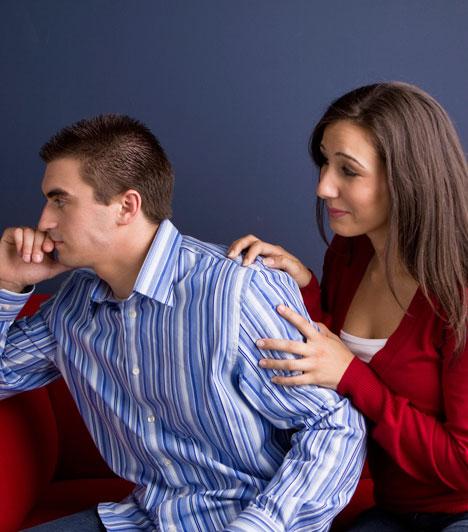Türelem  Ahhoz, hogy valakivel hosszú ideig együtt tudj maradni, olykor nem kevés türelemre, toleranciára és kompromisszumkészségre van szükség. Természetesen, ezt a párodtól is érdemes elvárnod: legyen meg az egyensúly, és ne mindig te legyél az, aki beadja a derekát.  Kapcsolódó cikk: A te párodnak milyen bűnös kis titka van? »