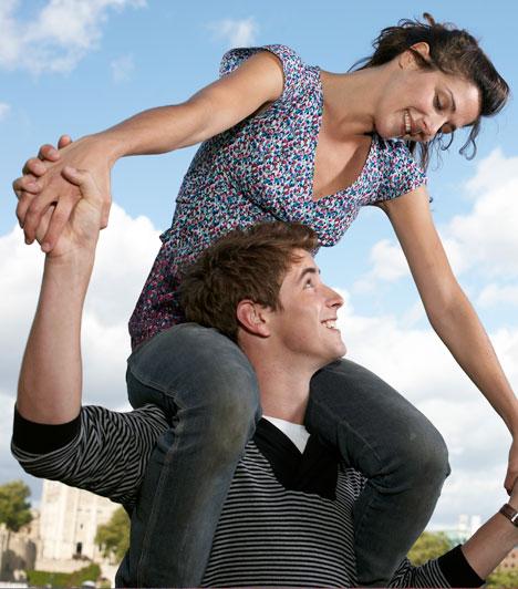 Biztonságban érzed magad  Tudod, hogy számíthatsz rá, és nem kell rendszeresen aggódnod amiatt, hogy eltűnik-e, lemondja-e a randit, vagy más nőkhöz húz a szíve.  Kapcsolódó cikk: Van okod a féltékenységre?