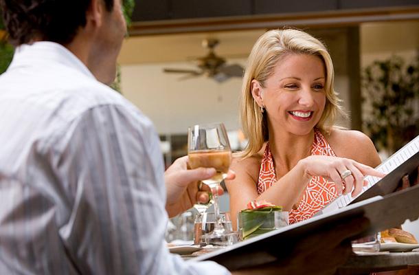 hogyan használják a relatív randevúkat a kövületek korának meghatározására?