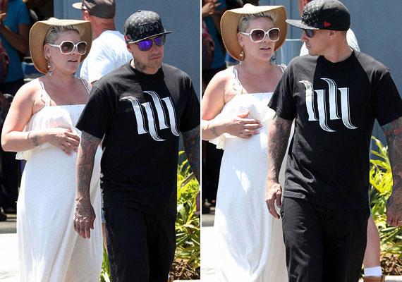 Pinkről szintén azt rebesgették, hogy párjával kipróbálta a nyitott kapcsolatot.