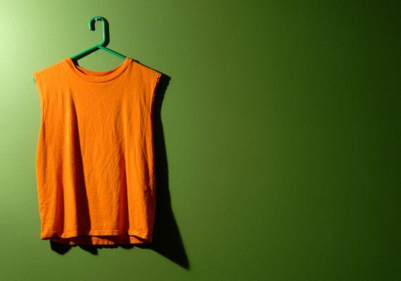 A férfiruhadarabok rossz érzést keltenek akkor is, ha épp a bátyád pólója az, amiben alszol. Hiszen lehetne az exedé is.