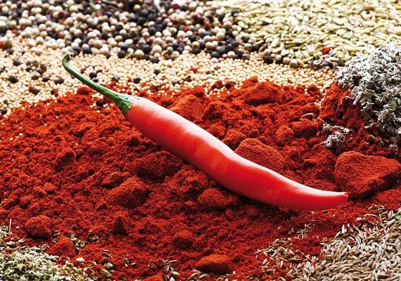 A chili serkenti a vérkeringést és fokozza a vérbőséget.