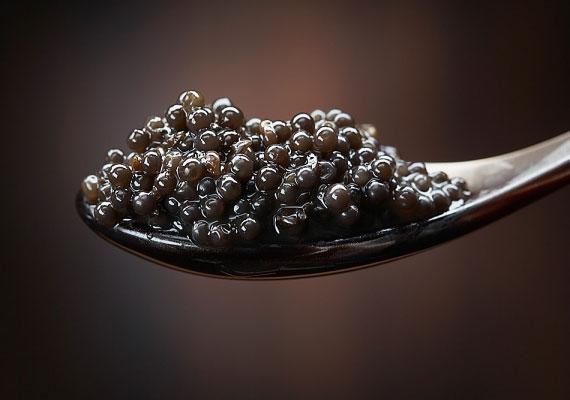 A kaviár a benne található aminosavaknak és ásványi anyagoknak, többek között a cinknek köszönheti termékenységnövelő és kedvhozó erejét.